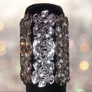Beautiful silver cuff bracelet w/ intricate style